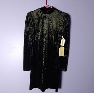 Dresses & Skirts - NWT Love and Piece Collective black velvet dress